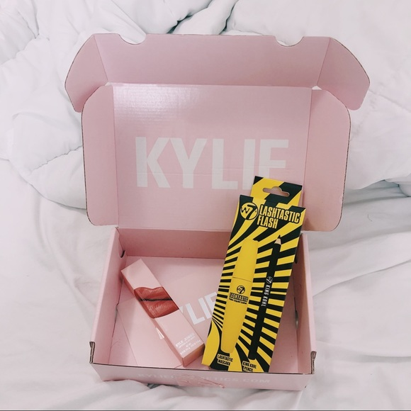 Kylie Cosmetics Other - Kylie cosmetics RENDEZVOUS | LIPSTICK KIT